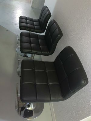 3 black bar stools for Sale in Sunrise, FL