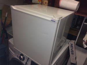 Haier mini fridge for Sale in Annandale, VA