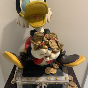 Disney Collectible Uncle Scrooge McDuck (Rare Piece) for Sale in Fort Lauderdale, FL