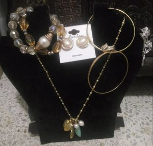 Jewelry set for Sale in Miami, FL