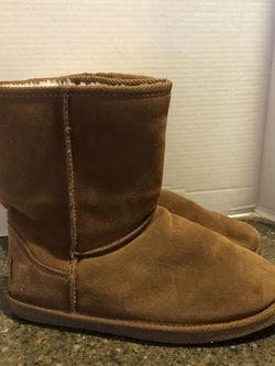 Lugz Women's Brown Suede Lined Ugg Like Boots Size 10 for Sale in Manassas,  VA