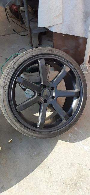 20 inch black rims bolt pattern 11. 4 for Sale in Los Angeles, CA