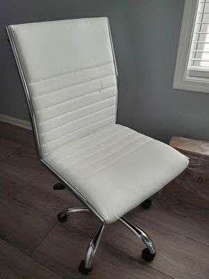 Office chair for Sale in Lawrenceville, GA