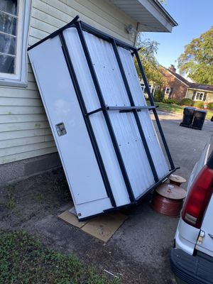 Topper for a short truck bed look good 600 for Sale in Wyoming, MI