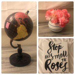 decor bundle: vase, frame, flowers, globe, sign/art for Sale in Orlando, FL