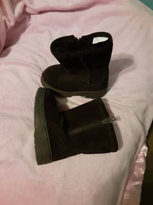 Girls size 6 boots for Sale in Milwaukee, WI