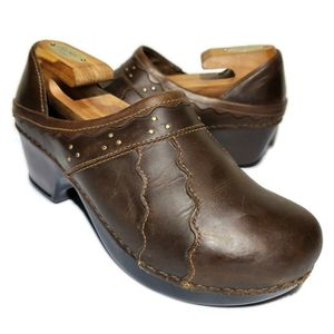 Women's Dansko Hailey Scalloped Leather Brown Clogs Size 40 US 9.5-10 for Sale in West Columbia, SC