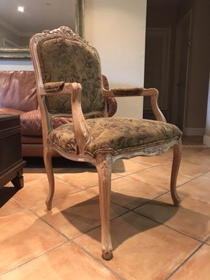 Antique Chairs (2) for Sale in Miami Gardens, FL