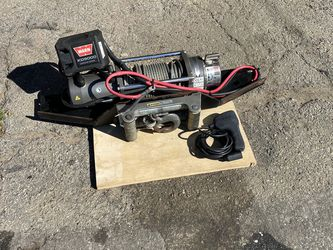 Warn Winch XD 9000 Whit Remout Control Used But Like New for Sale in Norwalk,  CA