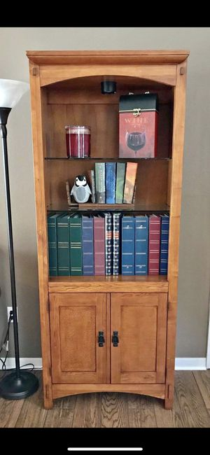 2 Mission Style Bassett bookshelves with glass shelves and lights for Sale in Kissimmee, FL