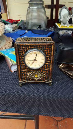 Antique Dresser Clock for Sale in Miami Lakes, FL