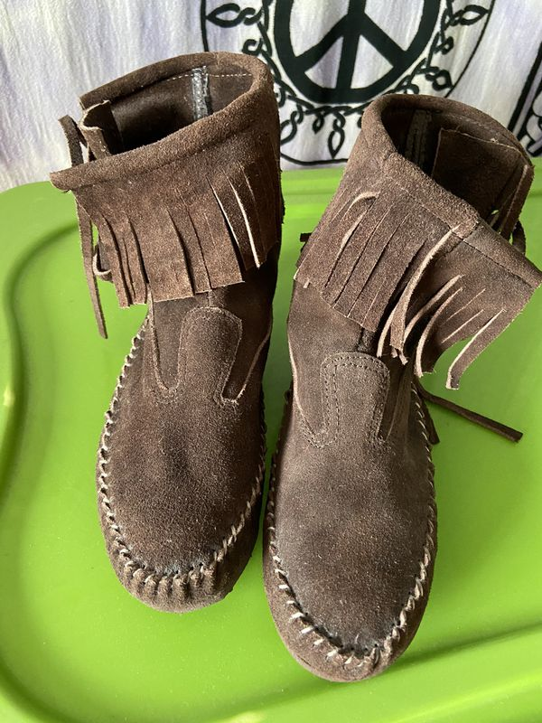 FOOT WEAR Low suede fringe moccasin