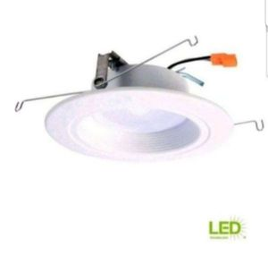 HALO RL 5 in. And 6 in. White Integrated LED Recessed Ceiling Light Fixture Retrofit Downlight at 90 CRI, 3500K Bright White, New, 4 are available, for Sale in Palatine, IL