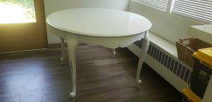 Small cute kitchen table for Sale in Champaign, IL
