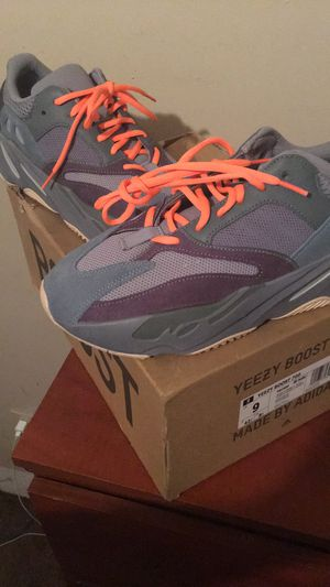 Adidas Yezzy Boost 700 Teal Blue for Sale in Philadelphia, PA