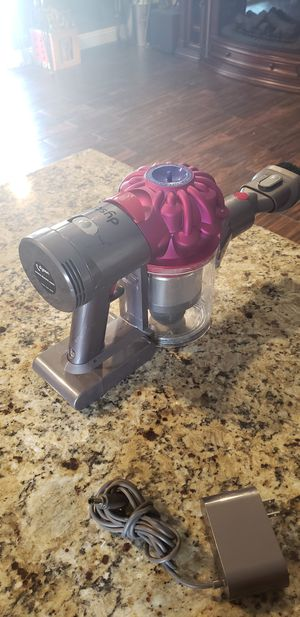 Dyson v7 for Sale in Lake Elsinore, CA