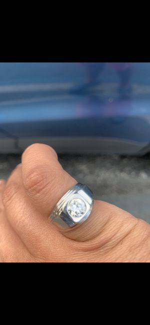 1 carat diamond men's ring Solitare for Sale in Aventura, FL