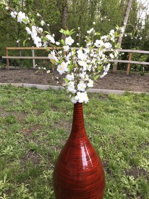 Tall vase with flowers for Sale in Federal Way, WA
