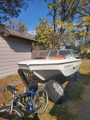 Boat & trailer for Sale in Garland, TX