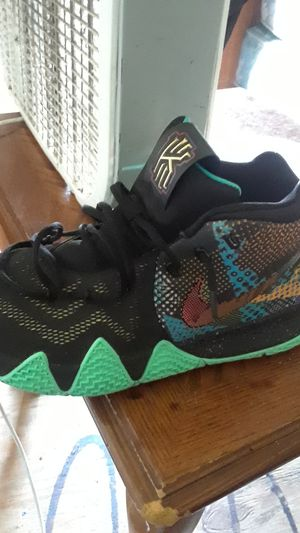 Kyrie irvin size 12 for Sale in Orlando, FL