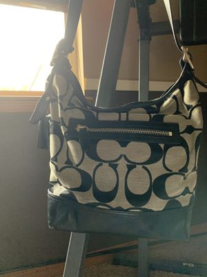 Coach handbag 100% Authentic for Sale in Puyallup, WA