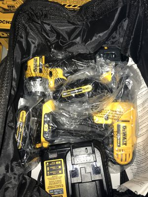 Dewalt 20v max drill driver/impact combo kit for Sale in Antioch, CA