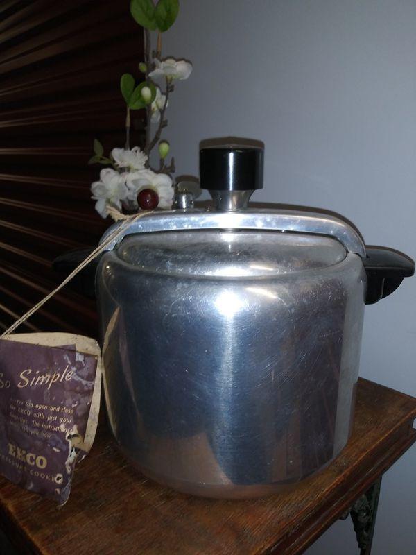 Antique pressure cooker. Decor only.