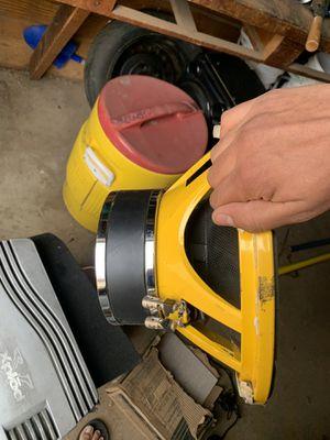 Bocina 🔈 y un amplificador for Sale in Woodlake, CA