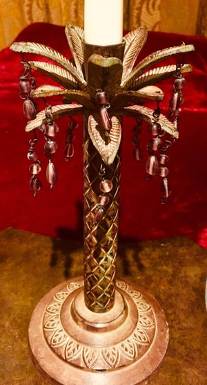 Beautiful vintage style candle holder metal art H10xW5 inch; candle not included for Sale in Sun Lakes, AZ
