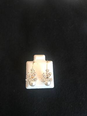 10k gold earrings for Sale in Houston, TX