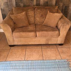 Love Seat for Sale in Visalia,  CA