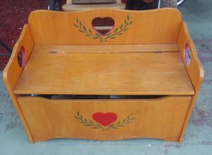 Vintage kids toy box $30 for Sale in Ontario, CA