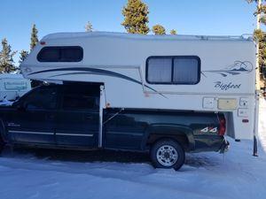 2000 Bigfoot 2500 Slide-In Camper for Sale in Denver, CO