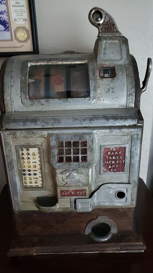 Antique Mechanical Slot Machine for Sale in Winter Springs, FL