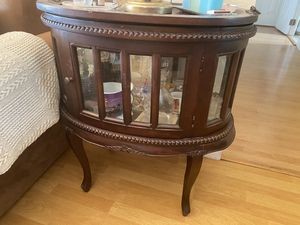 Antique coffee table/ stand bar for Sale in Miami, FL