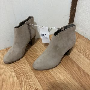 Old Navy Size 6 High-heels for Sale in Lynnwood, WA