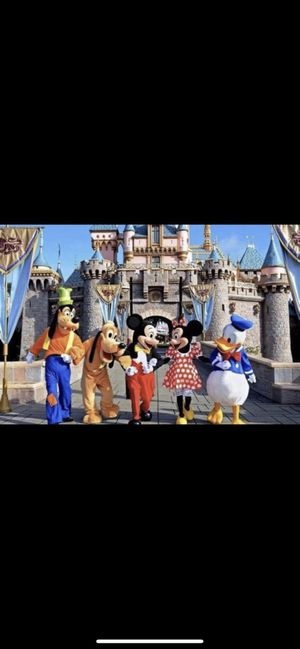 I need 5 adult disney tickets for oct 16 park hoper or one park please help for Sale in Los Angeles, CA