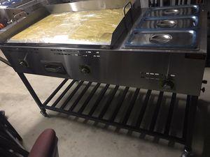 Carrito con plancha de acero inoxidable industrial y baño María incluido for Sale in Houston, TX
