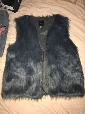 Faux fur vest #forever21 really dark gray/navy blue size large for Sale in Vallejo, CA