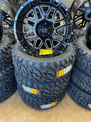 20x10 Wheels and tires set 33 1250 20 for Sale in Phoenix, AZ