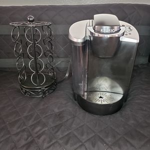 Keurig and k-cup holder carousel *read the description* for Sale in San Antonio, TX
