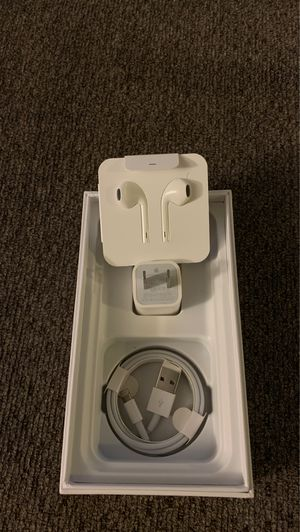 Apple usb charger usb house lighting headphones for Sale in Fresno, CA
