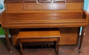 Piano an bench for Sale in Charlestown, IN