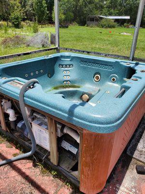 Hot Tub for Parts for Sale in Zephyrhills, FL
