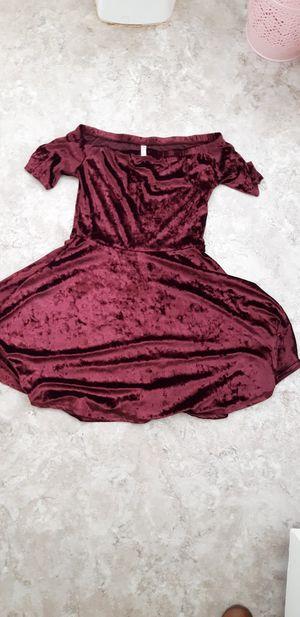 Burgundy velvet dress for Sale in Clovis, CA