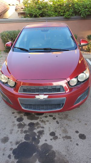 Chevy sonic 2013 exelente condicion for Sale in Chandler, AZ