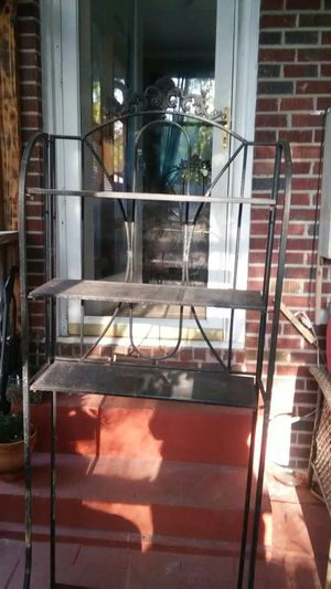 Bakers rack that you can put trash can under. for Sale in Anderson, SC