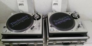 Pair Of Technics 1200 M3D Turntables for Sale in Clovis, CA