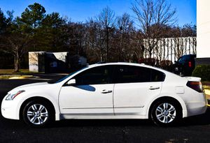Price $1000 2010 Nissan Altima for Sale in Lexington, KY