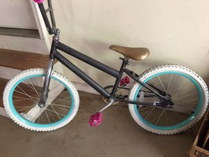 20 inch bike girls for Sale in Cumming, GA